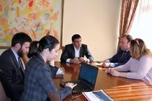 Կոտայքի մարզպետը հանդիպել է «Աքսես Ինֆրա Սենթրալ Էյժա Լիմիթեդ» ընկերության պատասխանատուների հետ